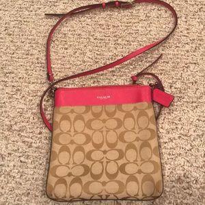 Handbags - Gently used Coach Crossbody!